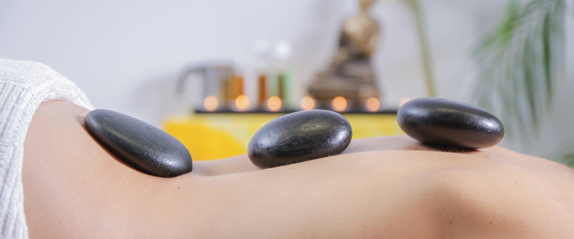 massage-pierres-chaudes-institut-de-beaute-absolu-institut-gaillard-haute-savoie-geneve